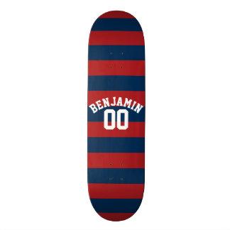 Nombre nommé de rayures de rugby de bleu marine et mini skateboard 18,4 cm
