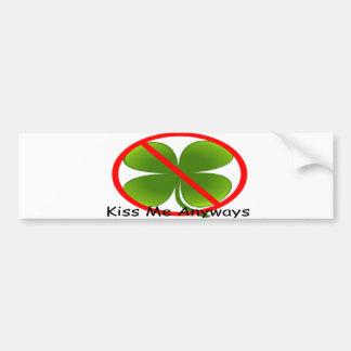 Non irlandais, embrassez-moi de toute façon autocollant de voiture