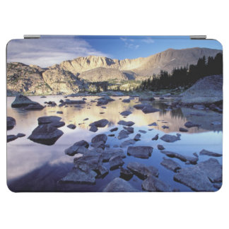 North America, USA, Wyoming, Yellowstone 3 iPad Air Cover