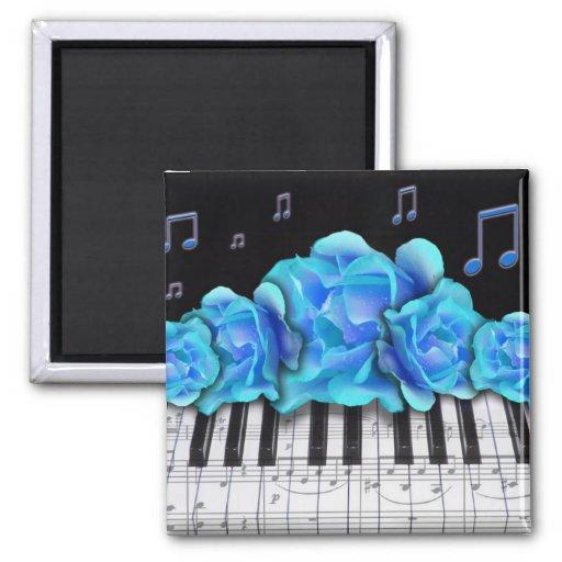 Notes bleues de clavier et de musique de piano de  aimants