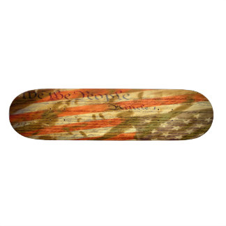 Nous la plate-forme de patin de constitution de pe plateaux de planche à roulettes