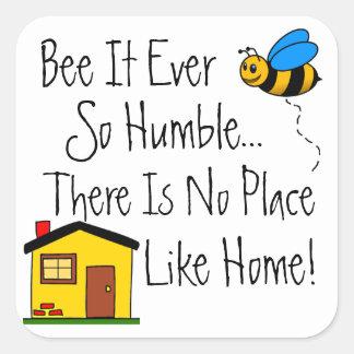 Nouvelle abeille à la maison d'immobiliers sticker carré
