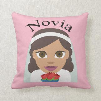Novia (Bride) Throw Pillow