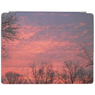 Nuages roses vibrants de beau lever de soleil protection iPad
