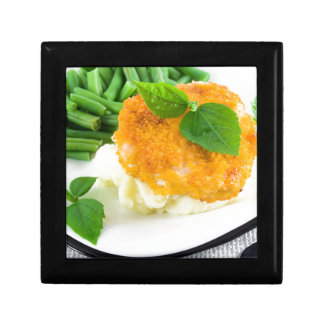 Nuggets of chicken, mashed potatoes and green bean gift box