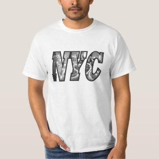 NYC and a Graffiti wall in Brooklyn, New York City T-Shirt