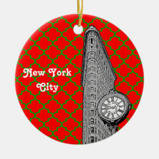 NYC Flatiron Building Red Grn Quatrefoil Xmas Round Ceramic Ornament