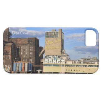 NYC Skyline Domino Sugar Factory, Graffiti iPhone 5 Cover