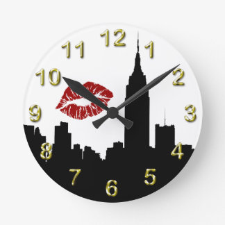 NYC Skyline Silhouette, Empire State Bldg #1 Kiss Round Clock