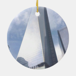 NYC TOWER ROUND CERAMIC ORNAMENT