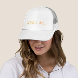 O Sole mio. Decorative gradient text. Trucker Hat