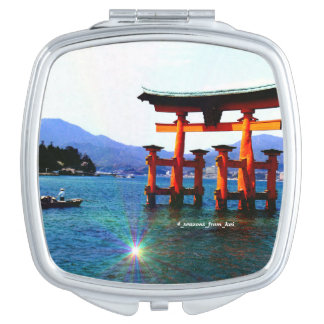 O torii☆itukusima which stands in the sea before travel mirrors