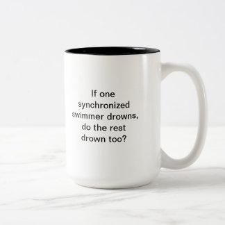 Obscurité, café ! Nageurs synchronisés Mugs À Café