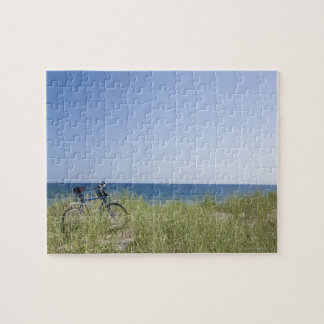 Ocean and horizon with clear blue sky puzzle