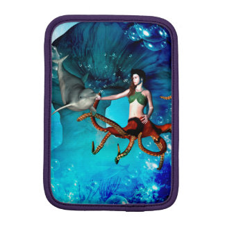 Octopus women with dolphin sleeve for iPad mini