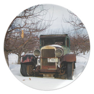 Old car in Orchard Plate