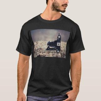 Old folding camera T-Shirt