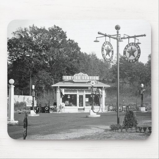 Old gas station, 1925 mousepads