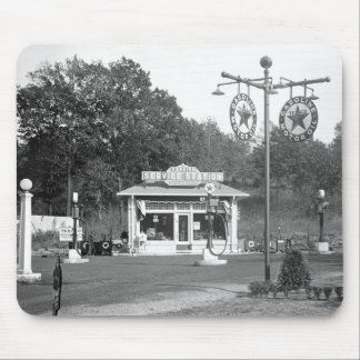 Old gas station 1925 mousepads