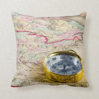 Old geographical map of the United States Throw Pillow