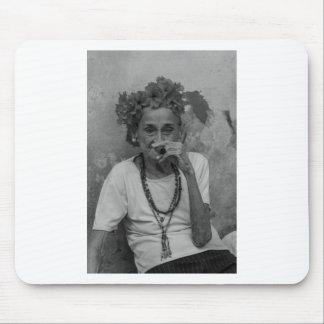 Old lady smoking cuban cigar in Havana Mouse Pad