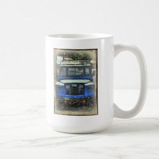Old Land Rovers never die Coffee Mug