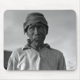 Old man at Aldridge Plantation – 1937. Mouse Pad