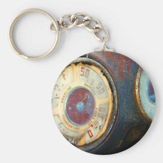 Old Speed Basic Round Button Keychain