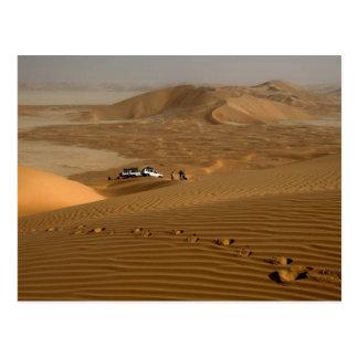 Oman, Rub Al Khali desert, driving on the dunes Postcard