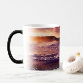 On the Horizon of the Infinite Fractalscape Magic Mug