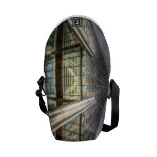 One Canada Square London Messenger Bag
