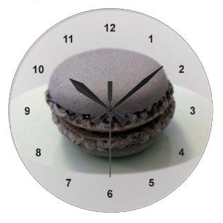 one mauve macaron clocks