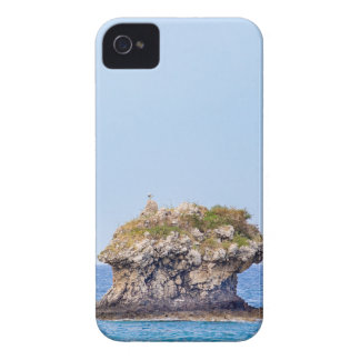 One outstanding rock rising from sea level Case-Mate iPhone 4 case