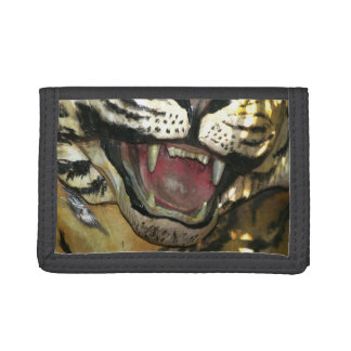 Open tiger mouth statue tri-fold wallet