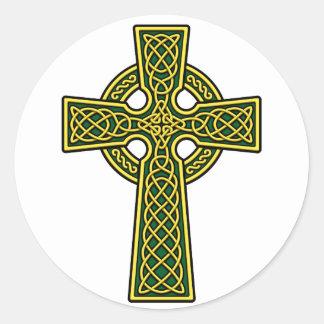 Or et vert de croix celtique adhésifs ronds