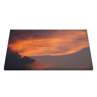 Orange swoosh / Oranssi humahdus Canvas Print