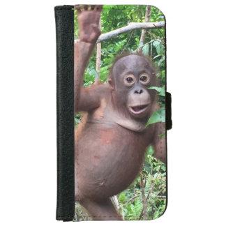 Orangutan Waves Hi in Kalimantan Jungle iPhone 6 Wallet Case