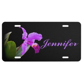 Orchidée rose sur le nom personnalisable noir plaque d'immatriculation