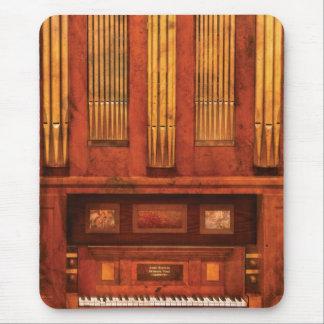 Organist - Skippack  Ville Organ - 1835 Mouse Pad