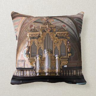 Orgel Pfarrkirche St.Wolfgang am Wolfgangsee Throw Pillow