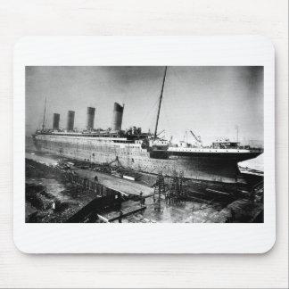 original titanic picture under construction mouse pad