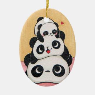 Ornement heureux de famille de panda