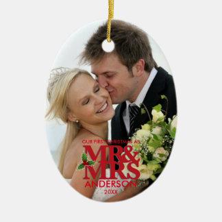 Ornement Ovale En Céramique Le premier Noël a épousé M. et MME d'ornement de