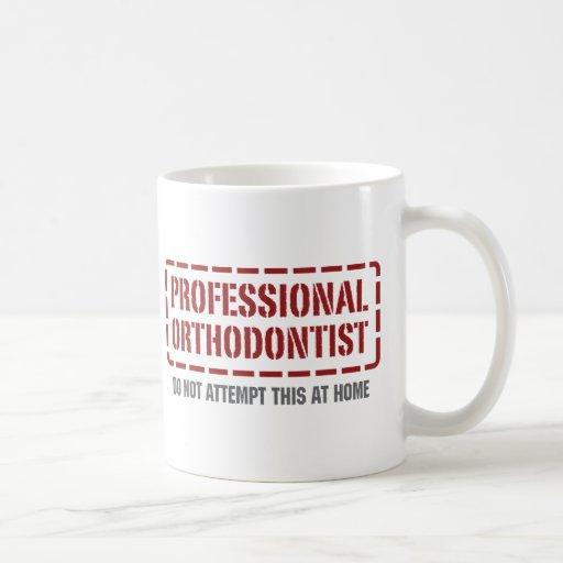 Orthodontiste professionnel tasse