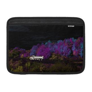 oscar leaves the party sleeve for MacBook air