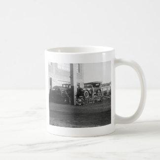 Outdoor Auto Maintenance: 1926 Coffee Mugs