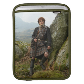 Outlander | Jamie Fraser - Leaning On Rock iPad Sleeve