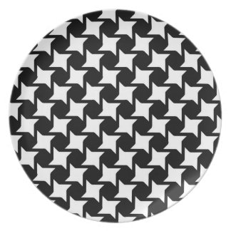 Oversized Mod Houndstooth Plate