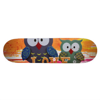 Owl love skate board