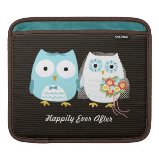 Owls Wedding - Bride and Groom with Custom Text iPad Sleeve